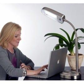tageslichtlampe hilft gegen depressionen und vermittelt gute laune. Black Bedroom Furniture Sets. Home Design Ideas