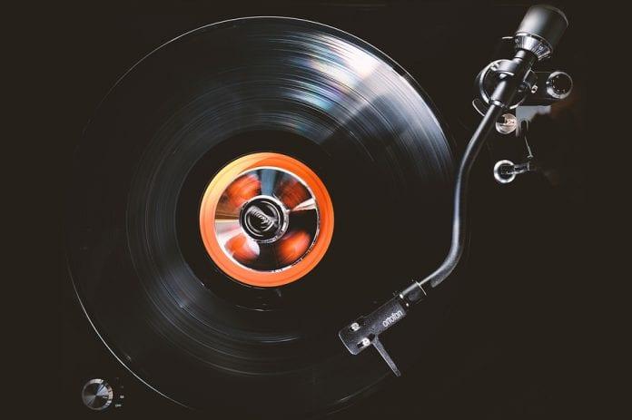 Schallplatte Abspielen