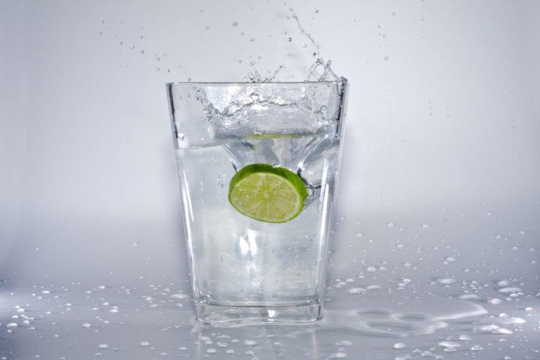 Tipps gegen Flüssigkeitsmangel – So trinken Sie immer genug